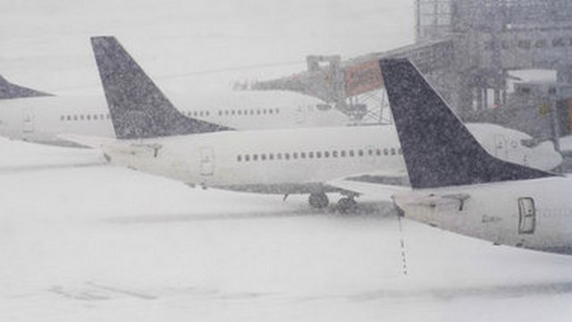 Более 80 рейсов отменены в столичных аэропортах из-за непогоды