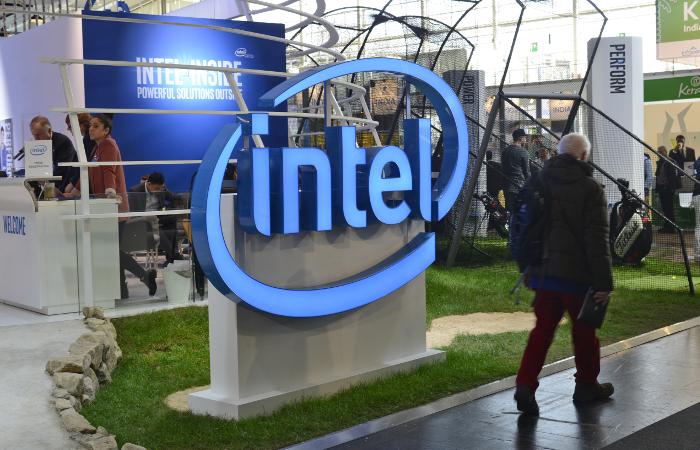 Сколько служащих увольняет Intel из-за спада нарынкеПК?