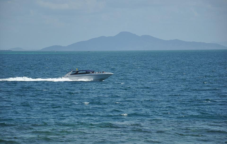 Двое иностранных туристов погибли при крушении катера в Таиланде