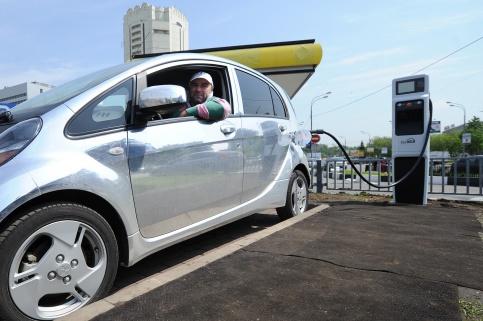 Сеть бесплатных зарядных станций для личных электромобилей появится в Москве