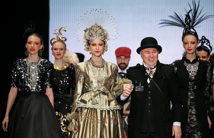 ВЭрмитаже покажут неменее  100 костюмов Вячеслава Зайцева