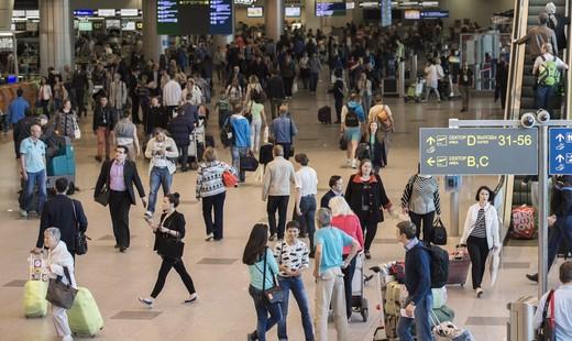 Московский аэропорт Домодедово иаэропорт Пулково торжественно встретили новые рейсы ВИМ-Авиа