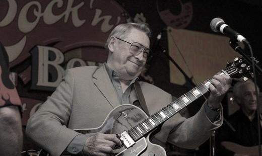 В США в возрасте 84 лет скончался гитарист Элвиса Пресли Скотти Мур
