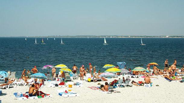 На пляжах Анапы запретили купание