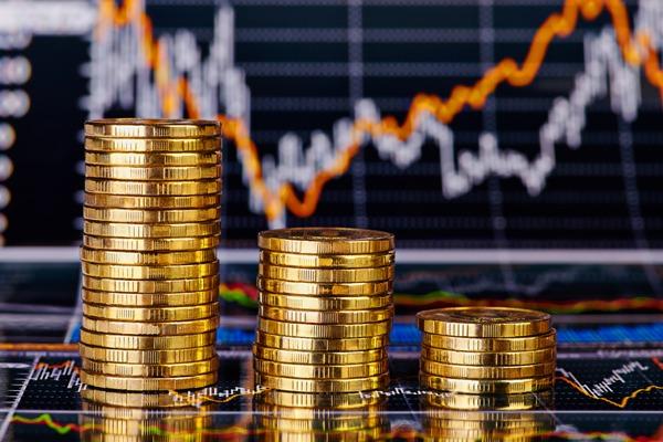 Впервые с конца июля доллар опустился ниже 65 рублей