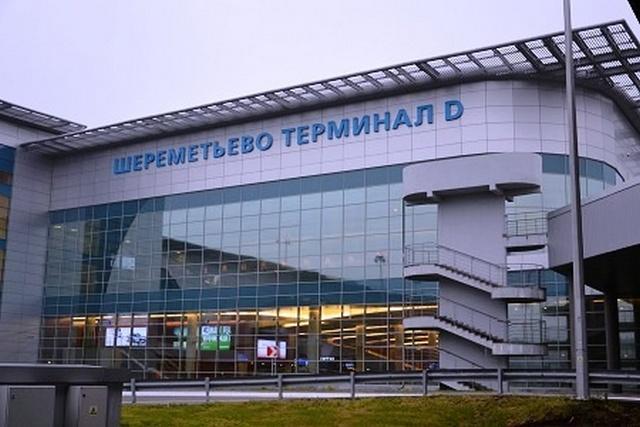 Нетрезвый мужчина упал со 2-го этажа аэропорта вШереметьево