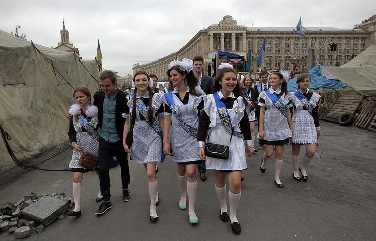 Украинские старшеклассники будут изучать «советскую оккупацию Украины»