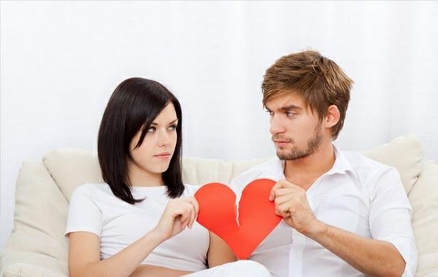 Ученые узнали, вкакие месяцы супруги более склонны кразводам