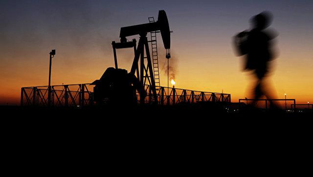Цена нефти Brent упала ниже 49долл. забаррель