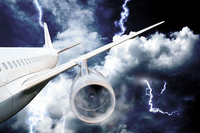 Из-за грозы в«Домодедово» несмогли приземлиться шесть пассажирских рейсов