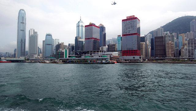 Скоростной паром с290 пассажирами наборту столкнулся слодкой возле Гонконга
