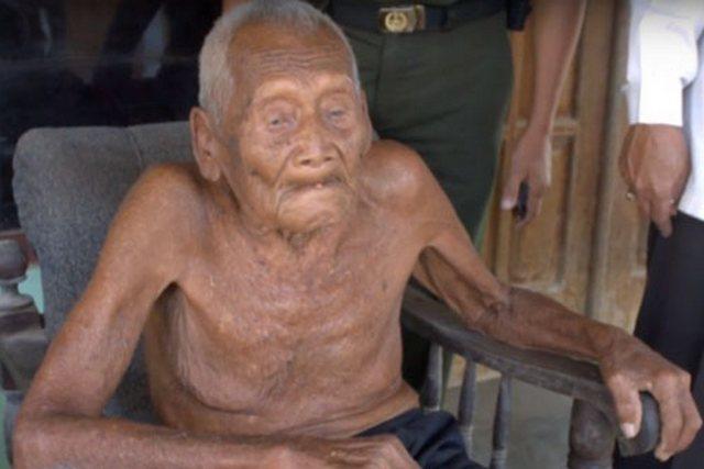 ВИндонезии отыскали старейшего мужчину планеты