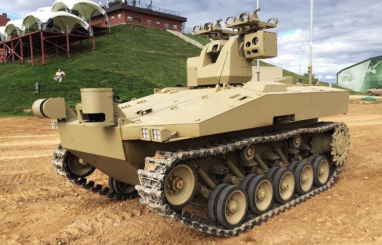 Ижевский концерн «Калашников» представит на консилиуме «Армия-2016» гусеничного робота «Соратник»