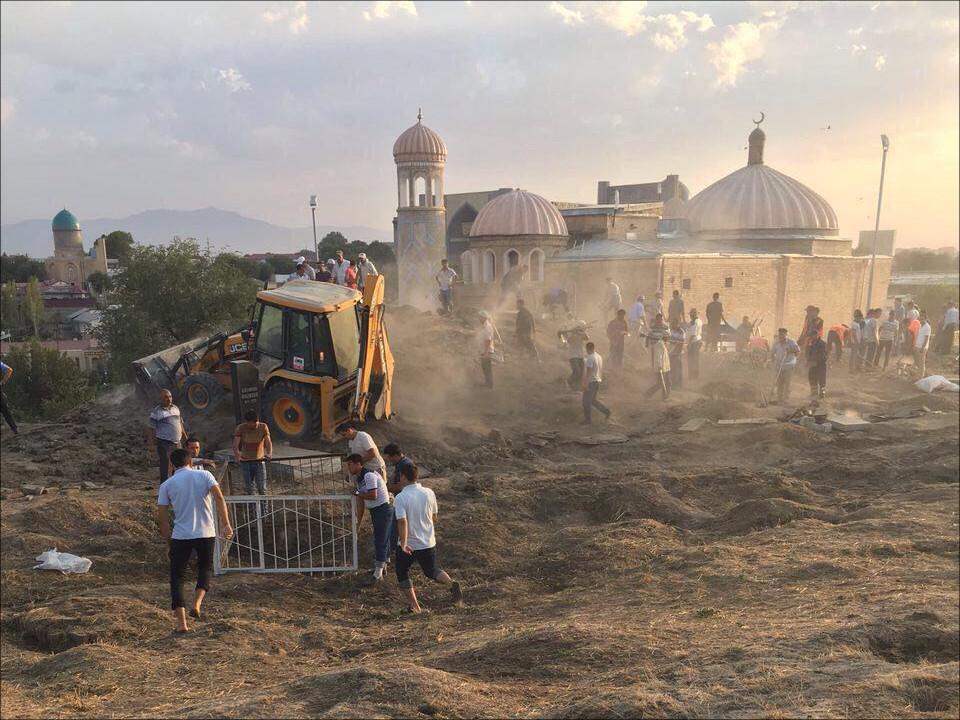 Руководство Узбекистана сообщило окритическом состоянии Каримова