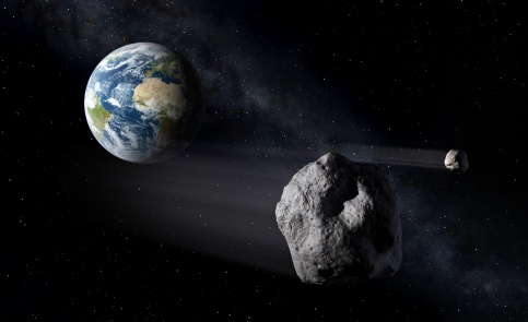 КЗемле летит астероид снеясной траекторией движения— Астрономы