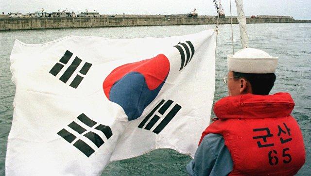 При взрыве напалубе южнокорейского танкера умер капитан судна