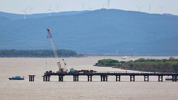 Русские  власти планируют достроить мост в КНР  через Амур