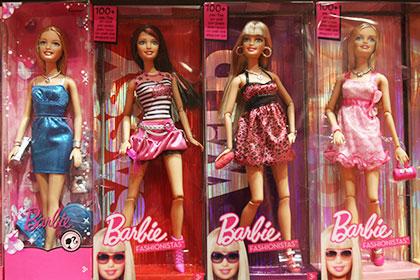 Barbie пропадут с вывесок детских магазинов