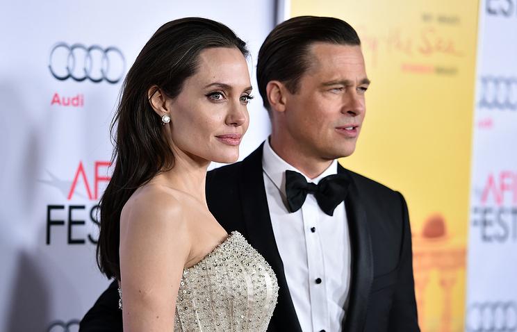 Джоли заявила что Питт опасен для их детей