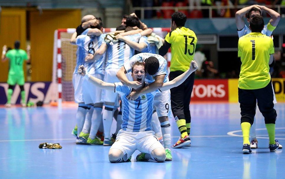 Сборная РФ помини-футболу уступила Аргентине вфинале чемпионата мира