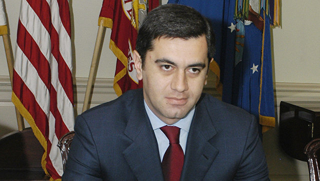 Экс-министр обороны Грузии обвиняет впокушении нанего шурина Каладзе