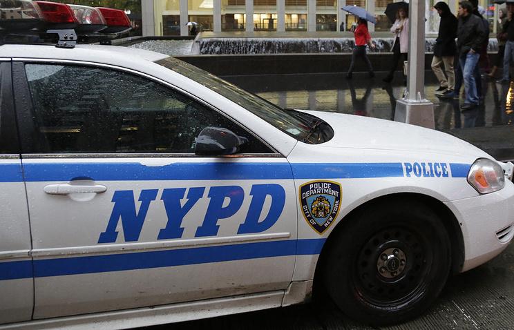 ВНью-Йорке офицер милиции застрелил пожилую женщину сбитой