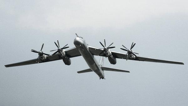 На русском военном аэродроме зажегся стратегический бомбардировщик