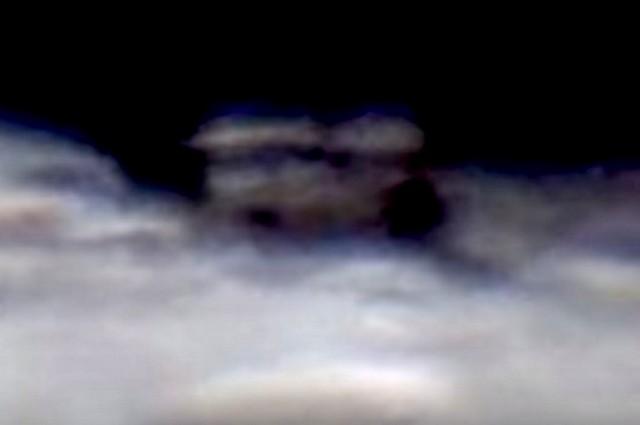 Уфолог нашел насеверном полюсе Луны огромное сооружение