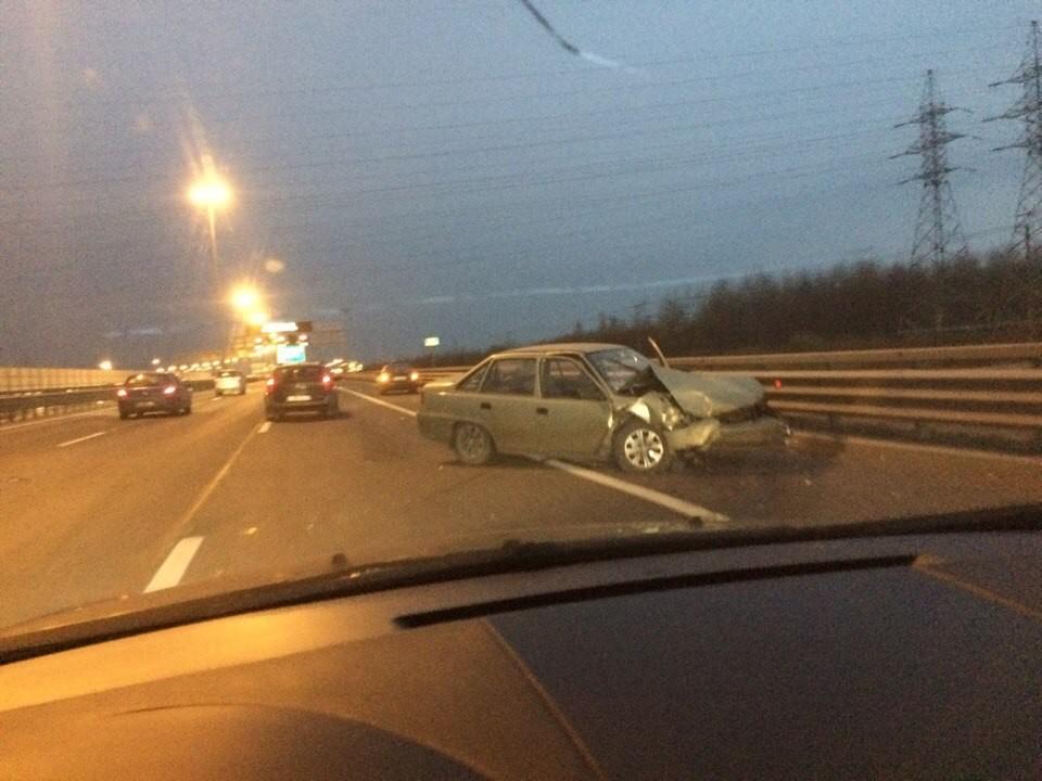 5 авто неподелили дорогу наКАД: имеется пострадавший