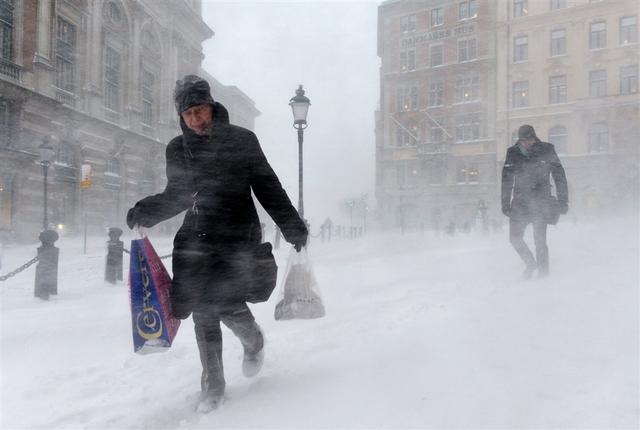 ВШвеции тысячи домов остались без электричества из-за снегопадов