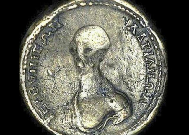 Монета сизображением инопланетянина найдена вЕгипте