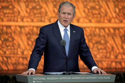 Ассистенты Джорджа Буша-младшего сообщили, что оннеголосовал заКлинтон