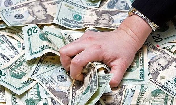Загод вРФ количество долларовых миллионеров уменьшилось