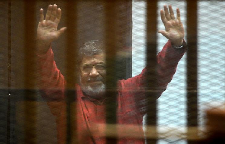 Один изпожизненных приговоров экс-президенту Египта зашпионаж отменен