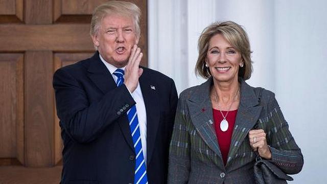 Трамп: новым министром образования США будет Бетси Девос