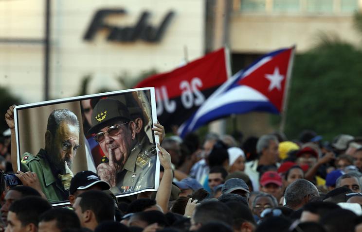 Млн. человек почтило память Фиделя Кастро вГаване