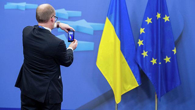 ЕСнедаст Украине статус кандидата навступление ивоенной помощи